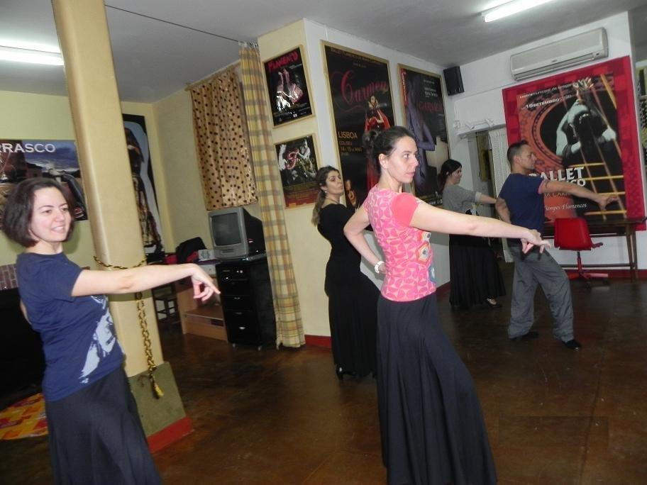 Flamenco inicial en la escuela El Tablao